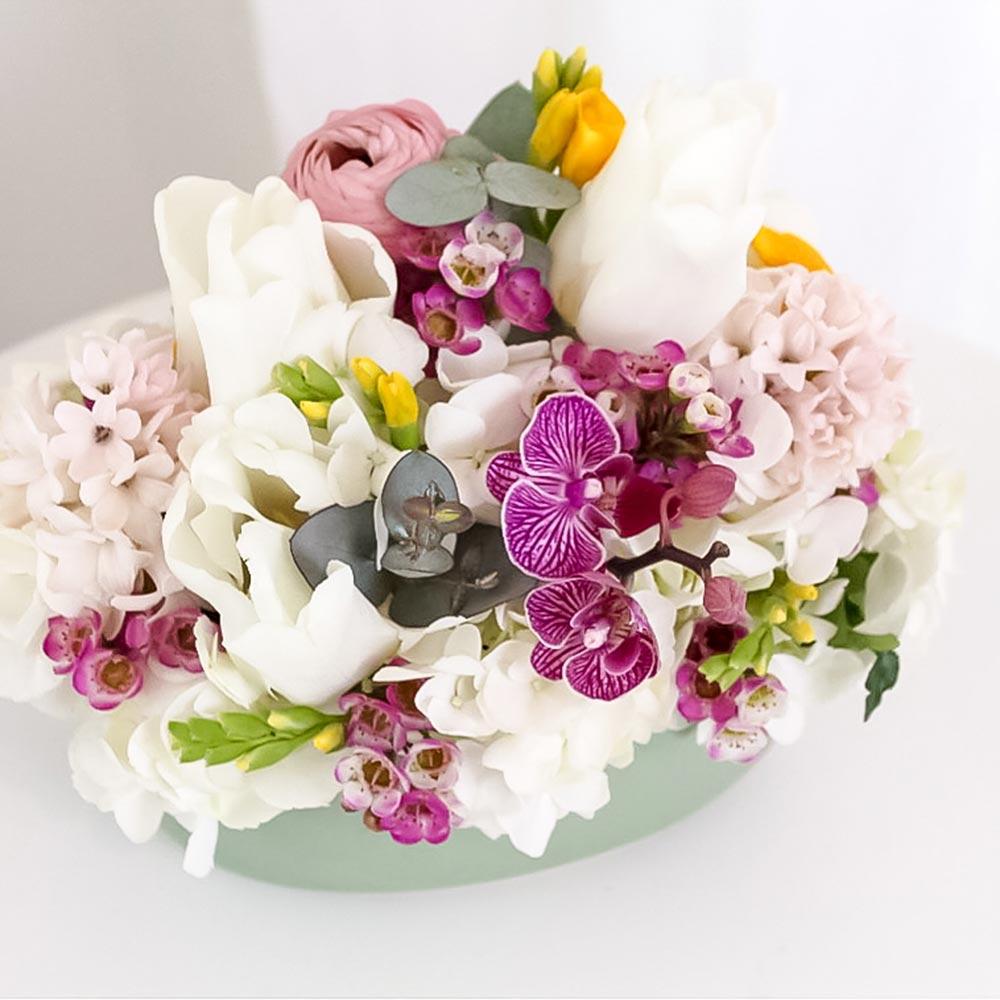 Aranjament Cu Lalele Albe Imodflowers